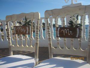 carteles para sillas novios